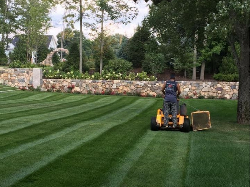 The maintenance crews at Sean Flynn Landscape will check your property  weekly and notify a crew leader if anything is found to be amiss. - Milton Landscaping - Sean Flynn Landscape Hardscapes, Maintenance